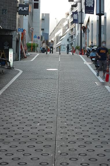 京王井頭線西口、マークシティ→アンジェリカ→シアターツタヤ坂道